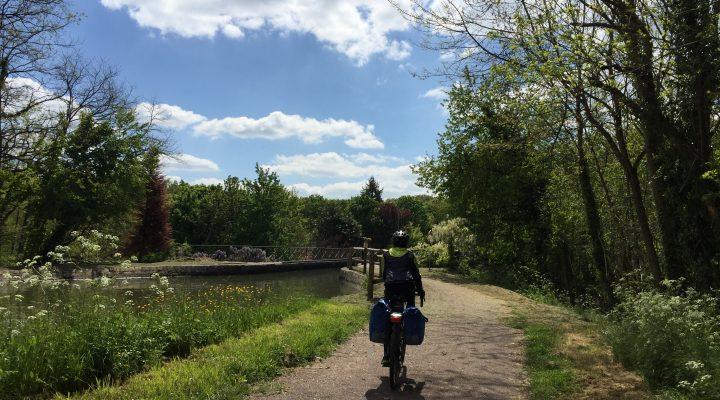 Loira e bicicletta, coppia perfetta